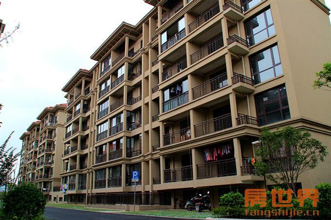 花园社区实景鉴赏 江湾绿苑排屋6250元 ㎡起