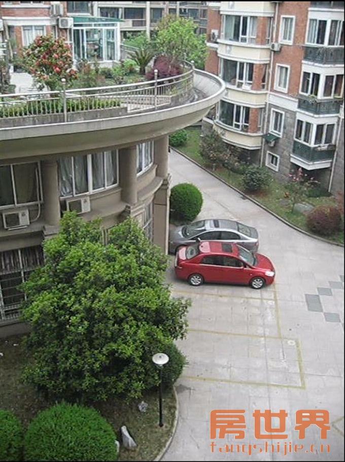 泰和花园高档小区 居住环境好 生活舒适便利设施齐全 房东急售