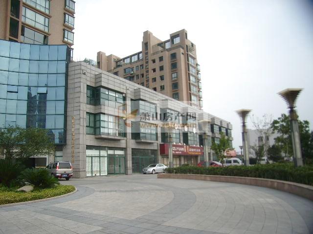 新惠名苑电梯房出租,小区环境好