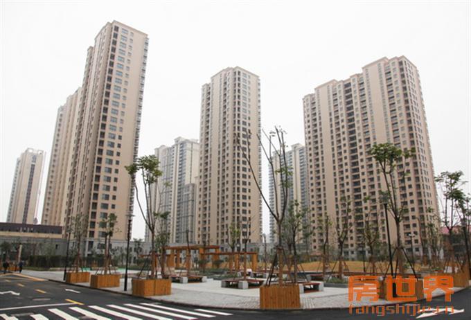 广元公寓  110方  楼层好  三开间朝南