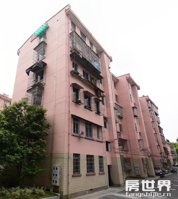 洄澜北苑 3楼  92方仅售235万  自住装修  学区不专用