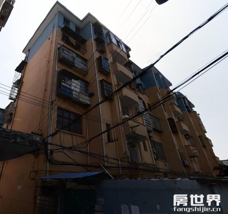 出售南门江55方可贷款房子