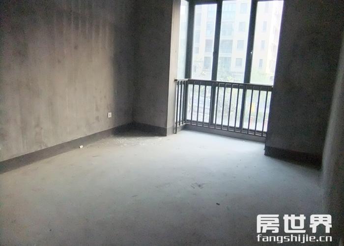 《郡望府》地铁7号线口现房,边套户型,楼层好,有车位随时看房
