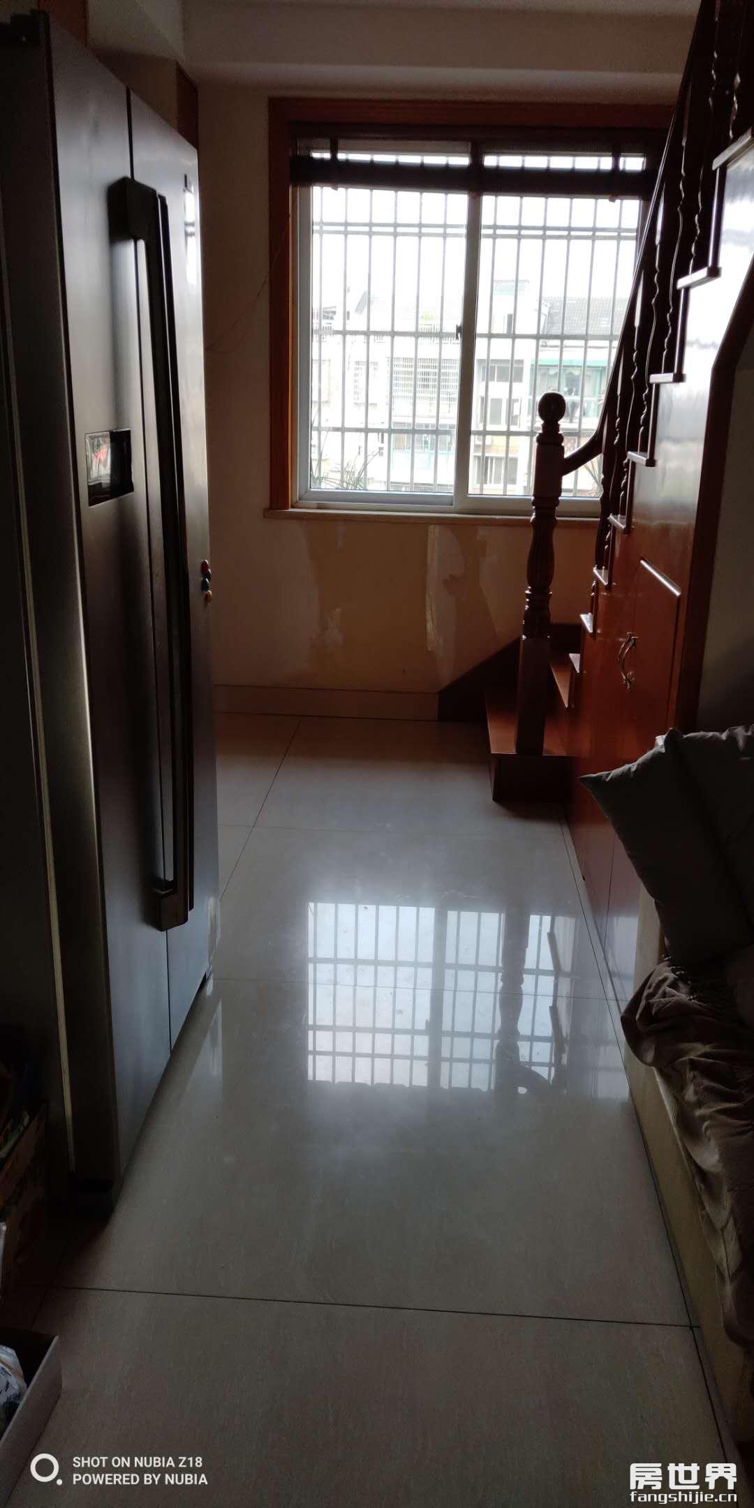 临浦浴美苑6楼送阁楼、户型楼层佳、低总价、无增值税、诚售