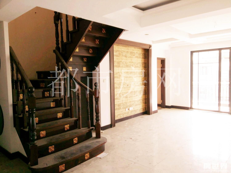 泰和3期,芙蓉苑,多层带电梯,6房3卫,跃层送30方露台