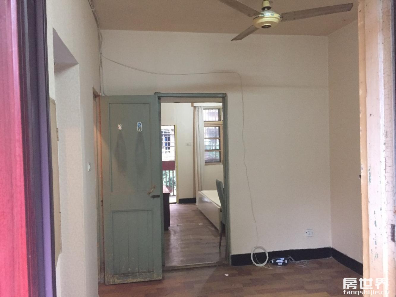 高桥小区 1居室可上学,总价低市场30万,看房方便,诚心出售