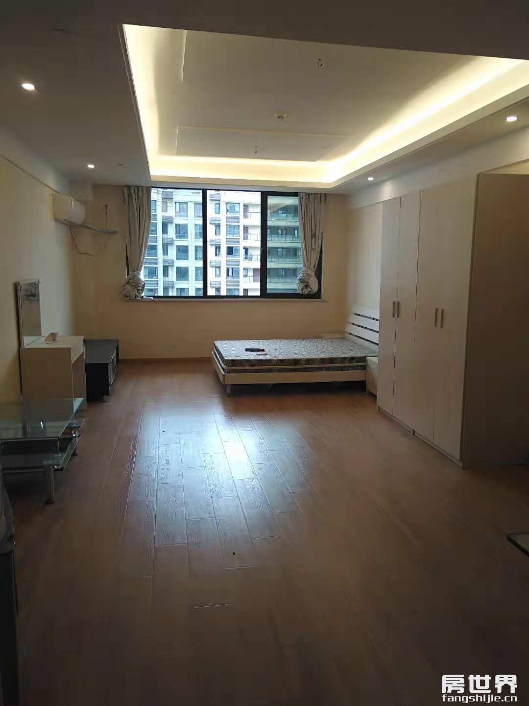 2号线地铁口朝阳银座公寓出售