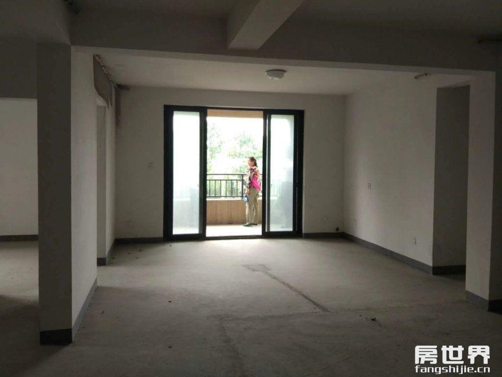 光明尚海湾,4房2卫,电梯房高楼层,一手房,无.税.费