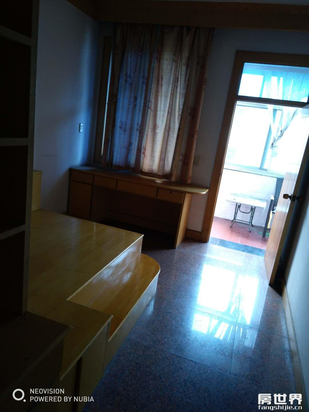 臨浦浴美施路鎮小學區、小面積簡裝、邊套樓層佳、誠心出售