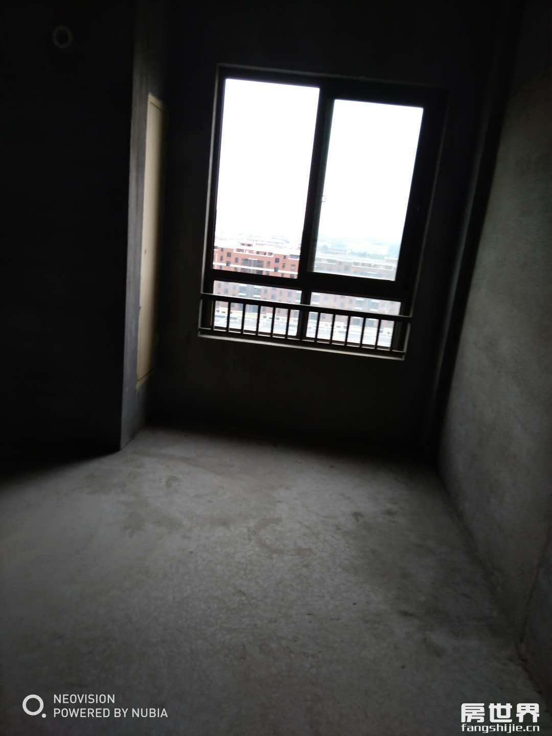 临浦嘉顺中心楼层户型佳、毛坯、低总价性价比高、诚售