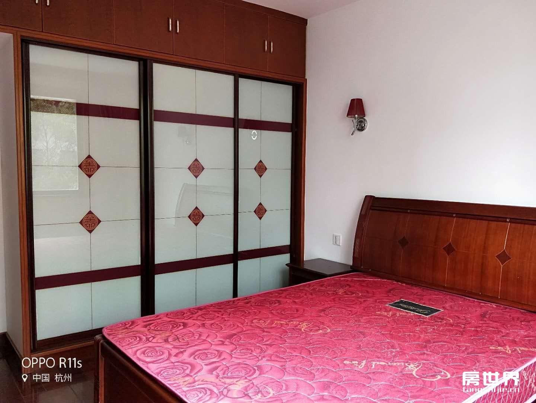 地铁口,湘湖家园,精装80方,两房两厅,拎包入住,看房方便