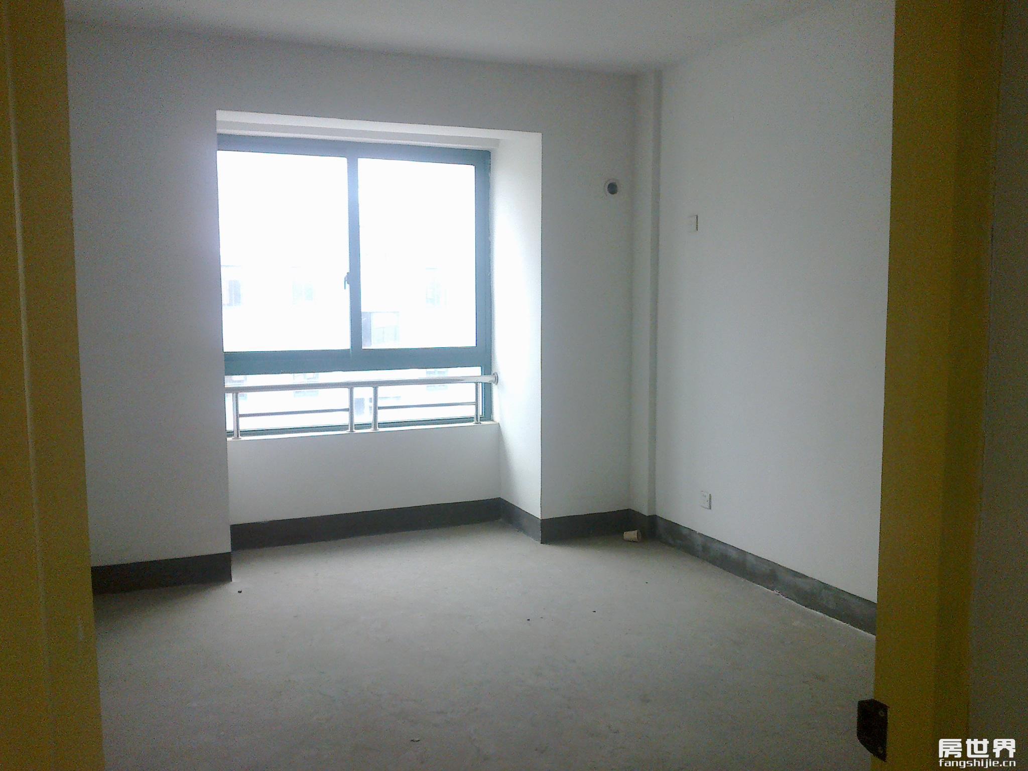 临江佳苑3室2厅1卫